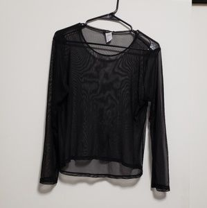 Tops - Plus size Black long sleeve fishnet top